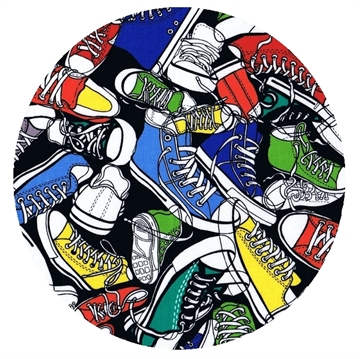 Timeless Treasures - Stof med Converse, Sneakers bright, pr. 0,25 m.