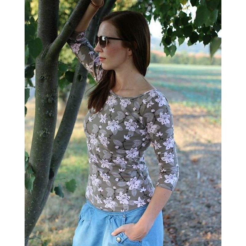 Sy enkel top i Miss Cherry Blossom, Lillestoff Woman