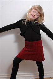 026 pige nederdel med snoninger 2 8 år